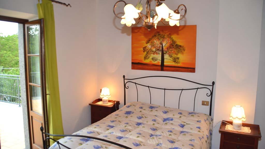 Ferienhaus Casone Caminetto Schlafzimmer