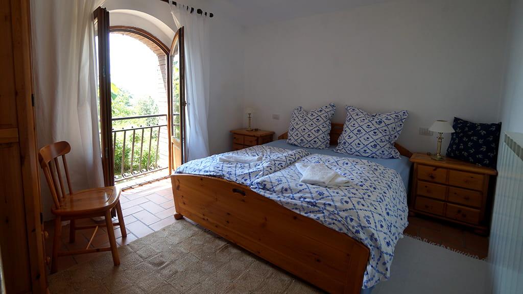 Villa Toskana Alleinlage Schlafzimmer