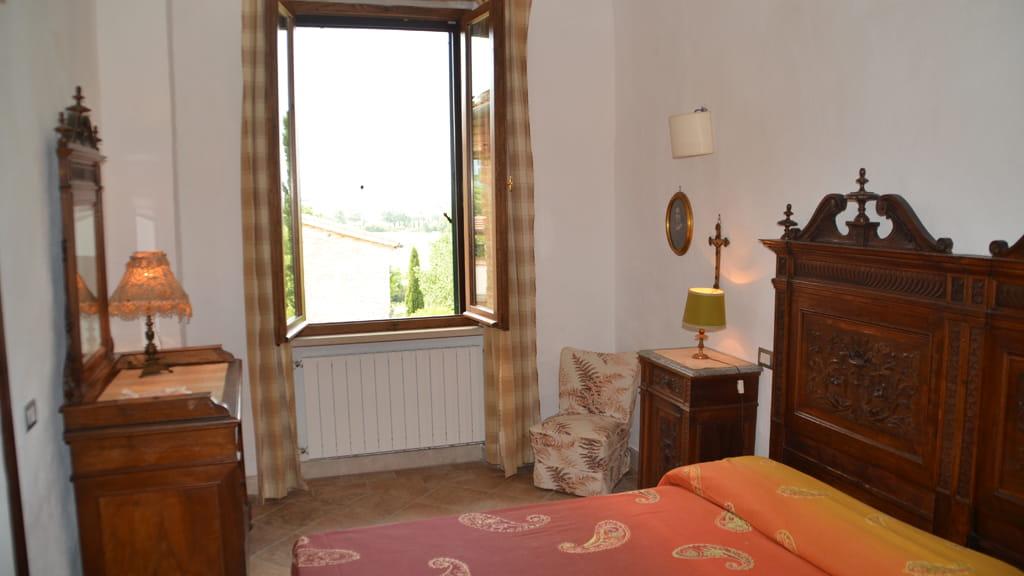 Ferienwohnung Torre Di Poggialberi Schlafzimmer