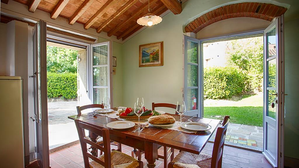 Villa La Capanna Toscana Esstisch