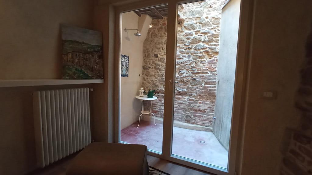 Ferienwohnung Cortona Dusche Toskana