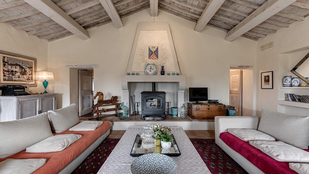 Villa Vetrichina Couch